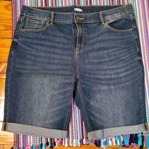 NWOT Old Navy Bermuda shorts